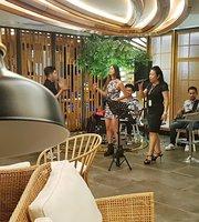 Palm Lounge & Bar