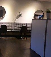 The Spot Restaurant & Lounge