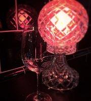 ALFiE'S Wine + Grill