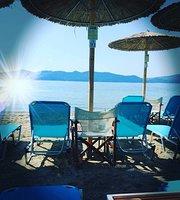Thalassa Beach Bar & Grill