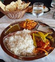Nepalilainen Ravintola Manakamana