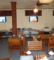 Arroma Restaurant