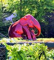 L'elephant Rouge