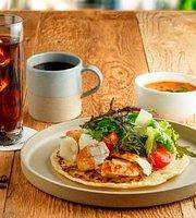 Cinagro Organic Salad & Cafe Marunouchi