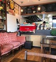 Zavanah Cafe