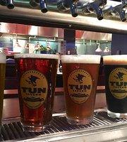 Tun Tavern Restaurant & Brewery
