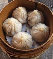 Lucky Cheng's