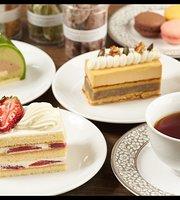 Platinum Cafe &Dessert shop from Shirokanedai