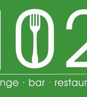 Bar 102
