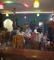 Hallo Warung Bar & Grill