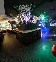 Gold Shnur Karaoke Bar