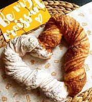 12 Coffee & Croissants