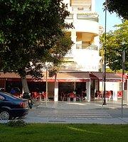 Cafetería La Colina Beach