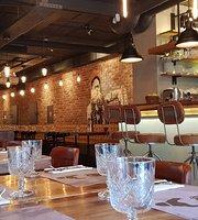 Guru - Restaurant & Bar