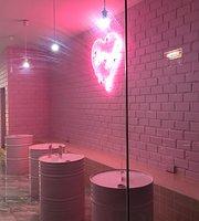 MYL Studio, Boutique & Tea House