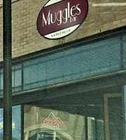 Muggles Bar