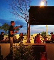 Level Dining Lounge
