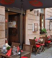 OEINS Restaurant in Schwabing