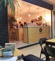Minimalize Cafe