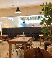 Cafe Biscuit Lalaport Hiratsuka Shonan