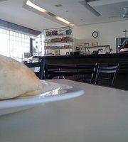 Carol Cafe e Sanduicheira