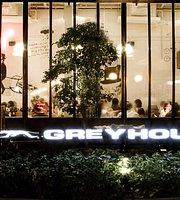 Greyhound cafe (The Circle)