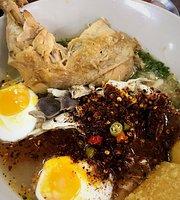 Kai Chik Khao Krung Noodle