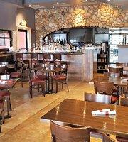 Ithai & Sushi sports bar