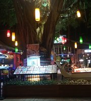 Laguna Garden Restaurant Bali Collection
