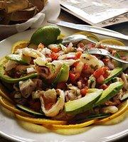Chalos Antojitos Mexicanos & Seefood