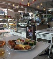 MISS Cafe & Bakery