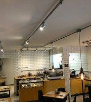 Abstrato Café & Bar