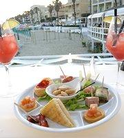 Vondom Beach Bar