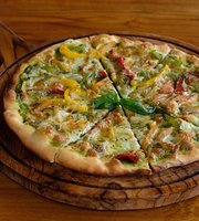 Tomato Pizza Ubud
