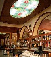 KLM Lounge Bar