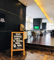 Axis Lounge At The DoubleTree By Hilton Melaka