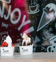 Enjoy frozen yoghurt & things
