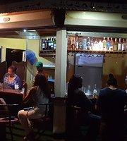 Ballena Blanca Bar & Restaurant