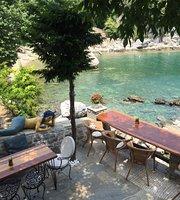 Victoria's Cafe