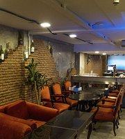 Noi Kwa Roi Bar & Restaurant (Sukhumvit 22)
