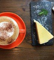 Makoo Cafe