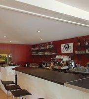 Titi's Bar