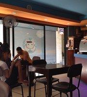 Mochiko Cafe