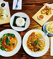 La Moon Thai Eatery