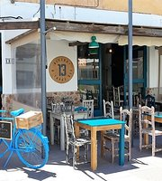 13 Bistrot & Tapas Bar