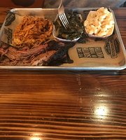 Maverick's Smokehouse & Taproom