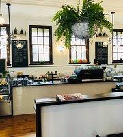 Mekko Market & Cafe