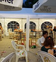 Pizzeria Village Game Center