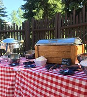 Jackson Lake Lodge Western Poolside BBQ