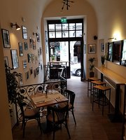 Paul's Place Restaurant & Bar